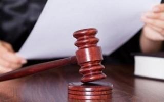 Суд поддержал увольнение сотрудницы с малолетним ребенком